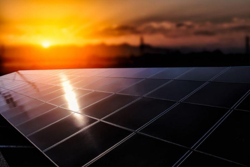 自家消費型太陽光発電の耐用年数とは?ソーラーパネル自体の寿命も説明