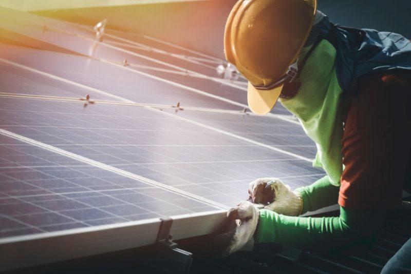 自家消費型太陽光発電のデメリットと、その解決策について